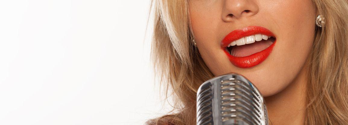 Karaoke Mikrofon - fotolia_106787347_s-compressor