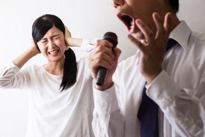Karaoke Mikrofon - fotolia_117953809_xs-compressor